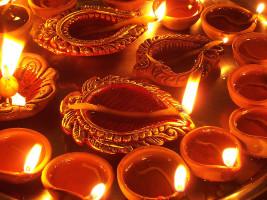 800px-diwali_diya-267x200