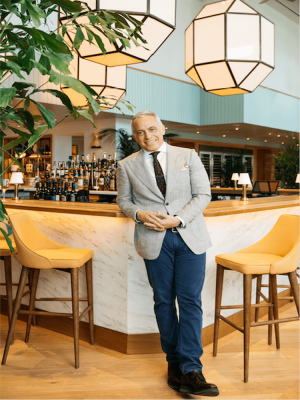 "Geoffrey Zakarian Hosts Second Annual ""Stone Crabs for a Cause"" Dinner at Point Royal"