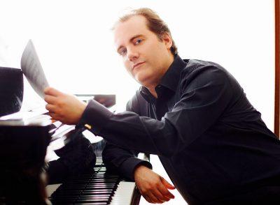 2019 Master Series: Pianist Josu de Solaun