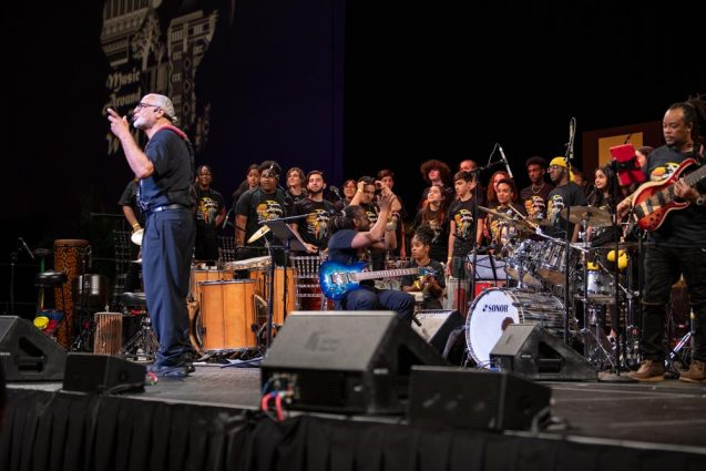 Willie Addressing the hugh crowd about the importance of Music and the Students Photo by Jason Cowell